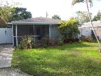Bowman Beach House - Holmes Beach Holiday Rental - 2 Bedroom - 2812 Avenue