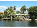 Ft Lauderdale 3 Bedroom Waterfront Home with Pool