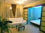 "2 room apt ""Bali"" with jakuzzi on Independence sq."