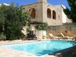 Ta'Xmun Farmhouse with pool
