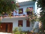 Apt in villa, garden, pool,sea