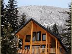 Deer Lodge - luxury 2 bedroom with mountain views
