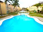 3 Bed 3 Bath Luxury Condo Half Block from La Isla