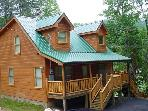 Cabin in between Gatlinburg and Pigeon Forge