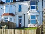 BAY VIEW APARTMENT, pet friendly, with a garden in Hornsea, Ref 9172