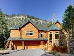 Luxurious Log Home, 7 rooms with beds, 5 baths, game room, hot tub, sauna and more!!