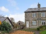 SUNNY BANK, family friendly, country holiday cottage, with a garden in Chelmorton, Ref 11821
