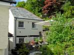 LITTLE WARMINGTON, pet friendly, character holiday cottage, with a garden in Camelford, Ref 11349