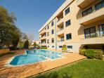 Beach &amp;amp; Pool Flat 12min Porto