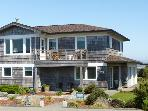A Seaview Townhouse at Coquille Point  Condos