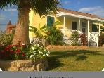 Key West Tropical Bungalow -1 1/2 Block from Poretto Beach -