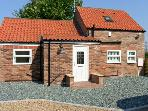LABURNUM CROFT, detached, en-suite facilities, rural views, in Moor Monkton Ref 24077