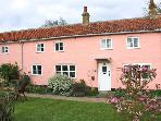 ARCH COTTAGE beautiful communal garden, woodburning stove, touring base in Cambridge Ref 24197