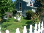 PET FRIENDLY Country COTTAGE Coastal RI Weekly