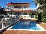 5BR - Pool- 200 M to the beach