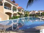 LARGE WATERFRONT CONDO, 3 BDRMS, SLEEPS 8, POOL