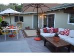 Boutique Mid-Century 3 Bedroom- centrally located