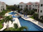 Paseo del Sol 2 bedr Penthouse 300meters to beach!