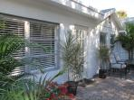 Be Charmed by this Cozy Florida COTTAGE - Close to Downtown, Beach