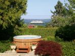 Bryn Hyfryd -Historic, Hot Tub, Water & Ferry View