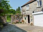 THE LIMES COACH HOUSE, off road parking, great local amenities, fantastic touring base in Curry Rivel, Ref: 18543
