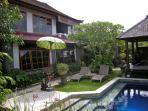 Angel Villa, Mas Ubud. walled garden/ pool/bale