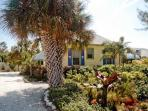 Whispering Pines: 2BR/2BA Classic Cottage near Beach