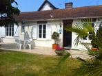 house with garden center of Cabourg 5 minutes walk from the beach, shops, casino and grand hotel.