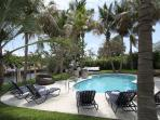 Miami Beach, guarded island, swimming pool, view and access to channel, stylish and comfortable villa