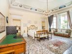 Luxury Lakeside Apartment in 18th Century Villa 1Km from Como Center!