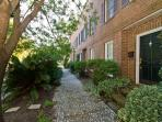 Tattnall Street Townhouse - REF: 1024