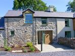 GWALIA, quality cottage with balcony, rural location, ideal for beaches, walking, in Brynsiencyn, Ref 23278