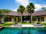 Villa Palma 4 Bedroom Near Seminyak close to Beach