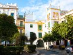Plaza Santa Cruz A. 2 bedrooms for 5, parking