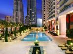Luxury condo! View of Miami and South Beach!