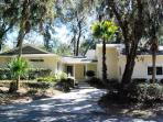 5BR, walk to beach, Palmetto Dunes, private pool-Palmetto Retreat