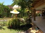 THE VILLA SANUR: Luxurious 4+BR, 100m to Beach