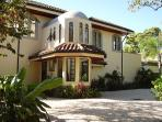 Luxurious 4 bedroom home just steps away from Playa Langosta