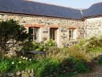4-bed barn on edge of village - 10 minutes to sea