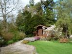 GRASMERE ground floor lodge, romantic retreat, in National Park in Greenodd Ref 30272