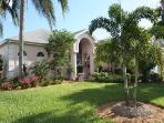 Superb Floridian Waterfront Gulf Access Pool Villa