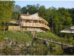 Poco Risco's Lakefront Log Home Rental