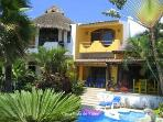 LOVELY TRADITIONAL CASA- SUPER VIEW/STEPS TO BEACH