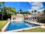 3bed family villa, pool, steps to Gibbs beach