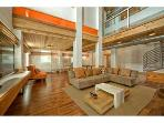 Modern 2000 sq Ft, 2 Bedroom LOFT-  100 Ft to Bch