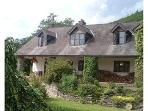 Large 2 bedroom stone cottage 2m. from Llangollen.