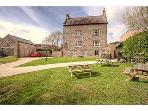 Medieval Manor House: Sleeps 16