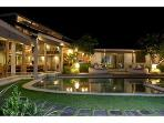 STUNNING VILLA Heart of Seminyak 5min to Beach4bed