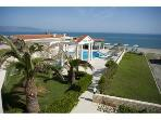 Caretta Beach Apartment with pool on beach