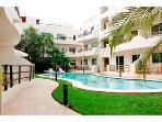 Walk to Beach, Great Pool, Internet, Sleeps 6